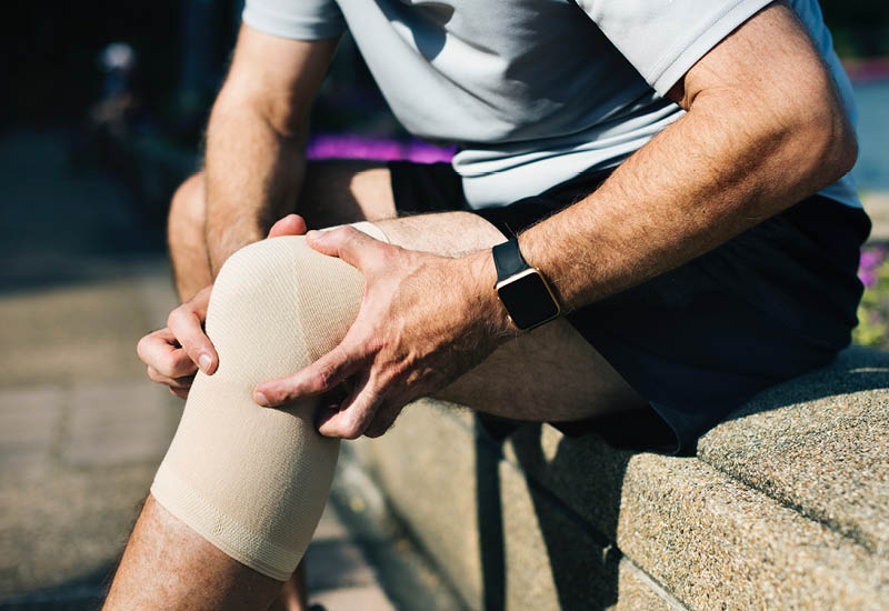 knee-injury-arthritis-stock-crop